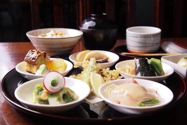 低栄養になっている高齢煮の親の食事