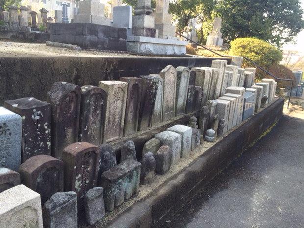 無縁仏墓石