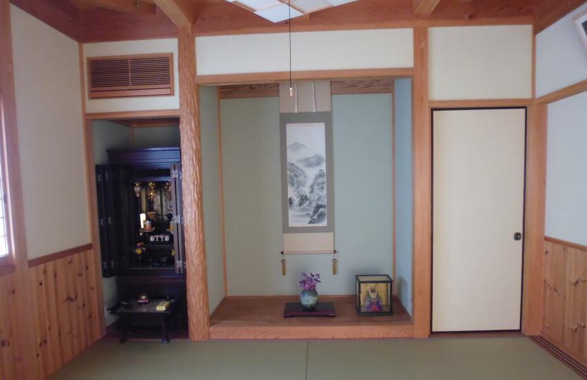 実家の仏壇
